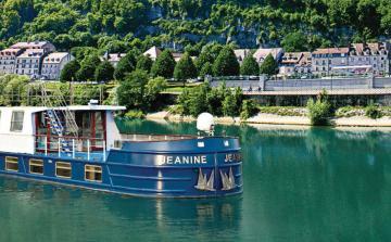 Burgundy Cruise